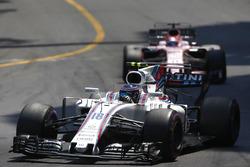 Lance Stroll, Williams FW40, Sergio Pérez, Sahara Force India F1 VJM10