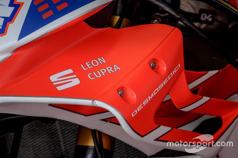 Деталь мотоцикла Андреа Довіціозо, Ducati Team