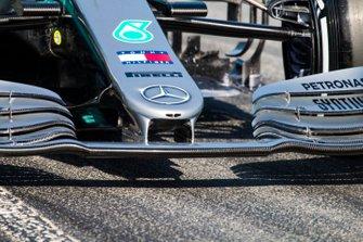 Lewis Hamilton, Mercedes AMG F1 W10, nose detail