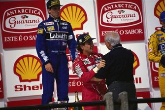 1. Ayrton Senna, McLaren, mit Juan Manuel Fangio
