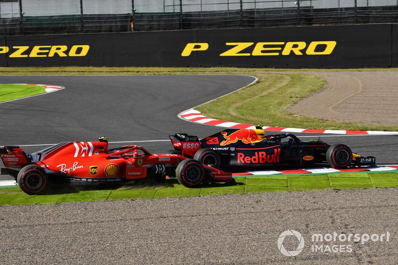 Kimi Raikkonen, Ferrari SF71H y Max Verstappen, Red Bull Racing RB14