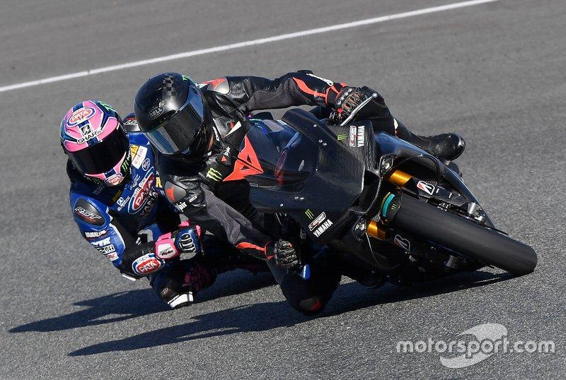 Льюіс Хемілтон випробовує Yamaha Superbike