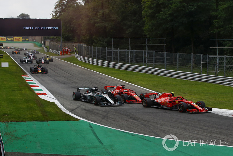 Sebastian Vettel, Ferrari SF71H and Lewis Hamilton, Mercedes AMG F1 W09 on Lap 1
