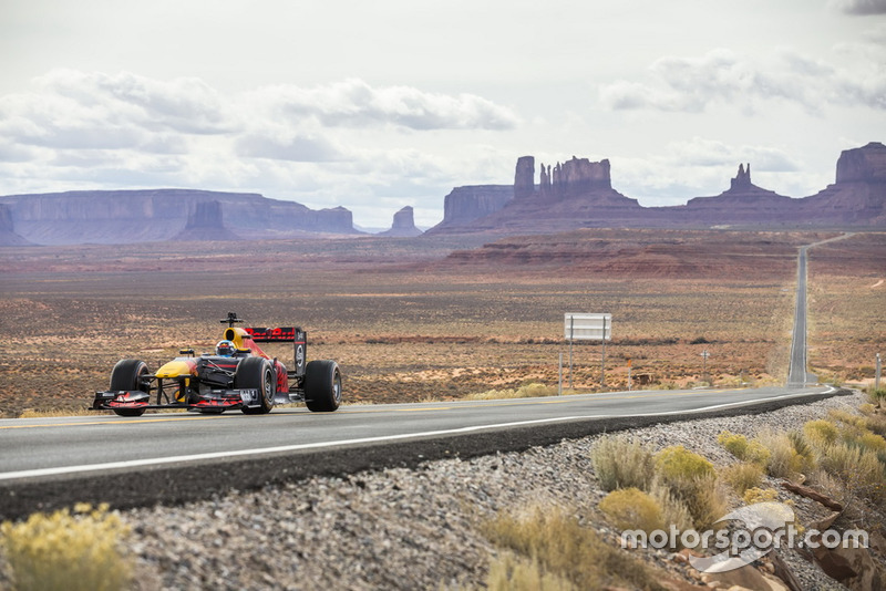 Daniel Ricciardo, Red Bull Racing di Monument Valley