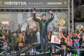 1. Kurt Busch, Stewart-Haas Racing, Ford Fusion Monster Energy / Haas Automation