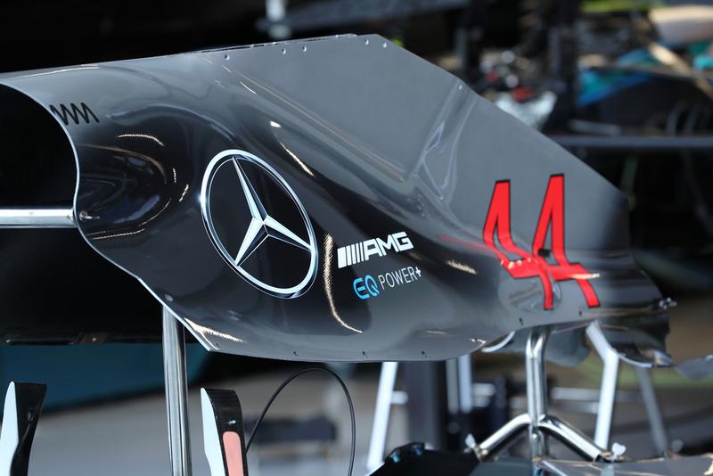 Mercedes AMG F1 W09 engine cover