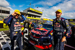 Race winner Shane van Gisbergen, Triple Eight Race Engineering Holden, second place Jamie Whincup, Triple Eight Race Engineering Holden