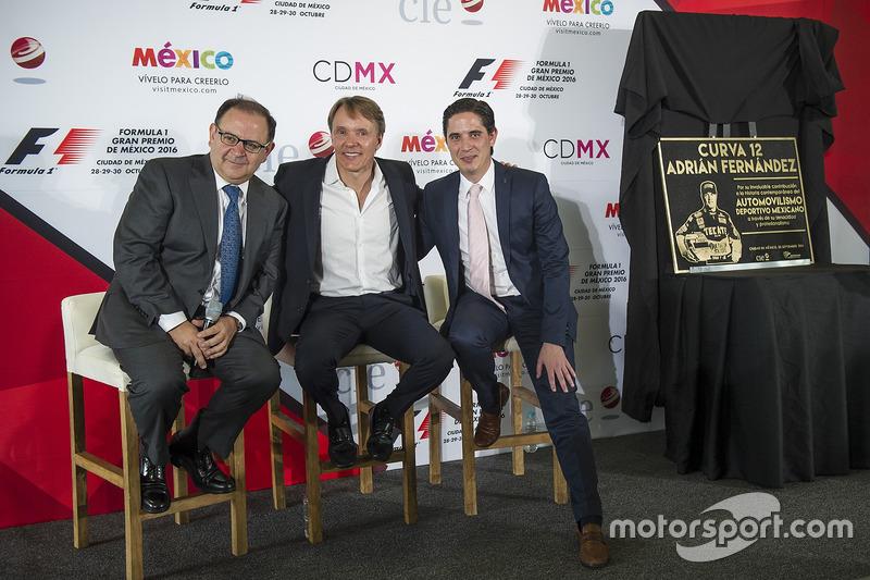 Federico Gonzalez Compean, General Director CIE, Adrian Fernández, Rodrigo Sánchez, CIE Director de Marketing y medios