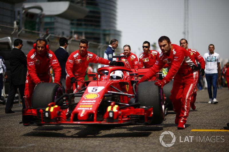 Sebastian Vettel, Ferrari SF71H, arrives on the grid