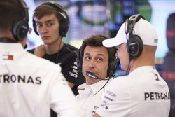 Керівник Mercedes AMG Тото Вольфф, Валттері Боттас, Mercedes-AMG F1