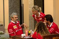 Maurizio Arrivabene, Ferrari Takım Patronu ve Britta Roeske