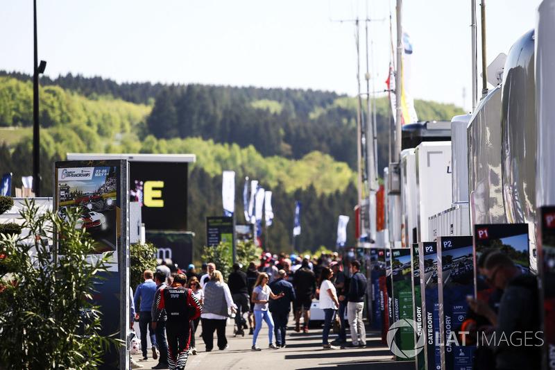 El ambiente en el paddock de Spa Francorchamps...