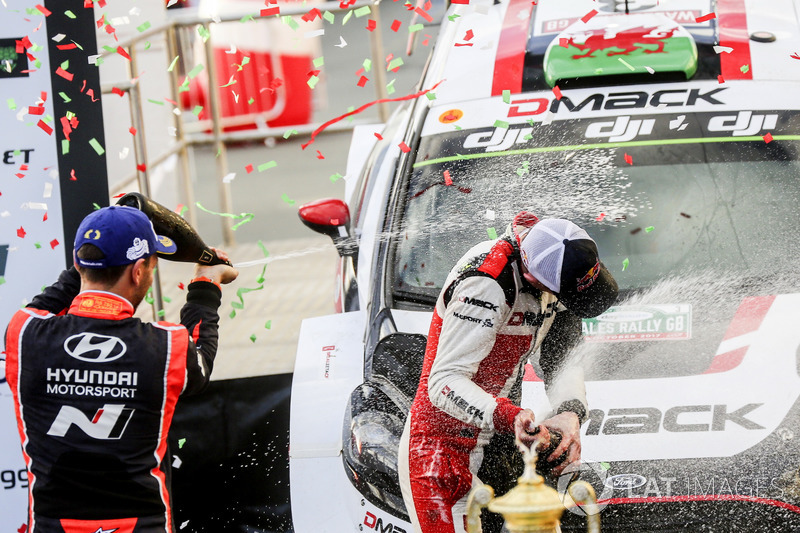 Ganadores Elfyn Evans, Daniel Barritt, Ford Fiesta WRC, M-Sport