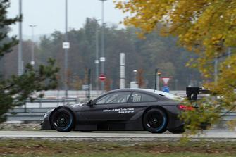 Bruno Spengler, 2 litrelik turbo motorlu BMW M4 DTM aracını test ediyor