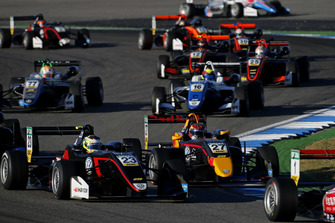Jonathan Aberdein, Motopark Dallara F317 - Volkswagen, Dan Ticktum, Motopark Dallara F317 - Volkswagen