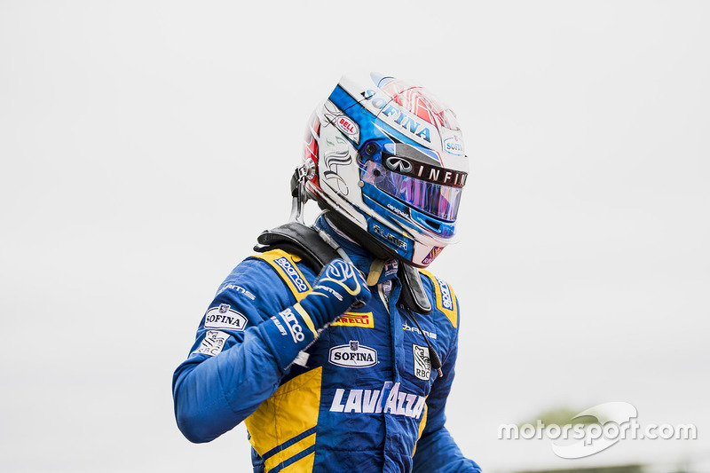 Race winner Nicholas Latifi, DAMS