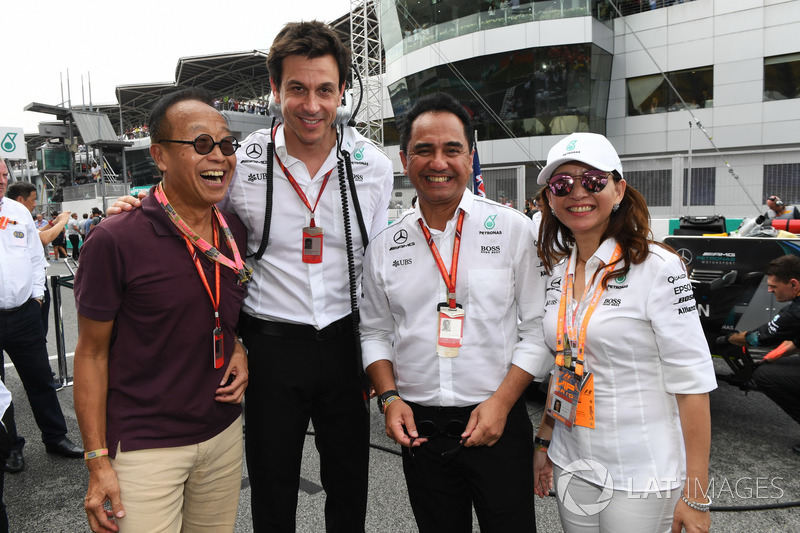 Ong Beng Seng, dueño de Hotel Properties Ltd y Toto Wolff, Mercedes AMG F1