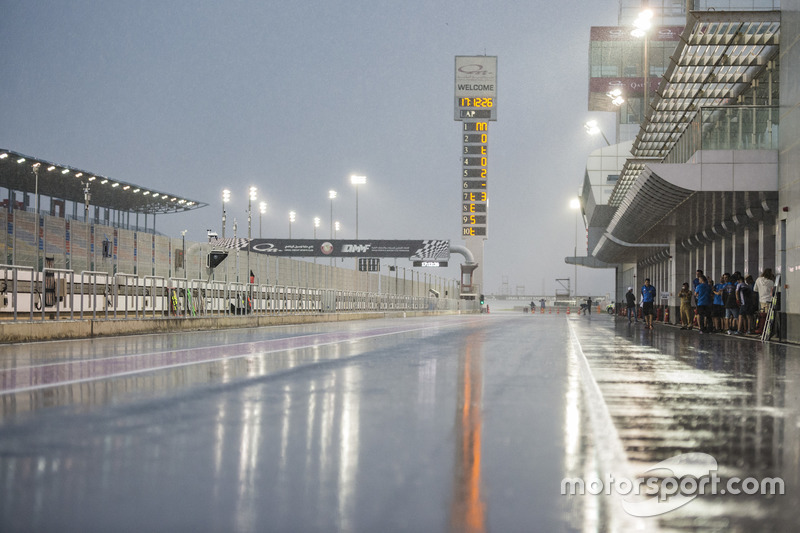 Regen am Losail International Circuit