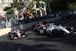 Феліпе Масса, Williams FW40,Серхіо Перес, Sahara Force India VJM10 та Естебан Окон, Sahara Force India VJM10 на рестарті