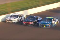 Jimmie Johnson, Hendrick Motorsports Chevrolet; Kasey Kahne, Hendrick Motorsports Chevrolet; Brad Keselowski, Team Penske Ford (Screenshot)
