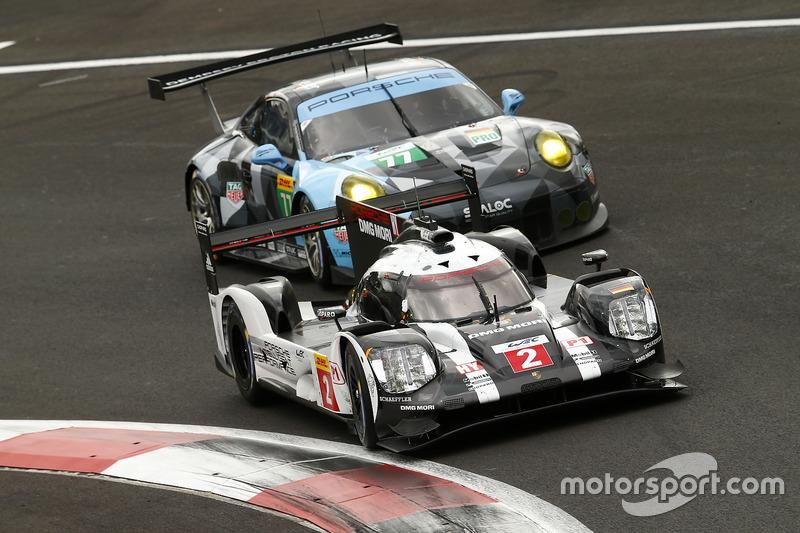 #2 Porsche Team Porsche 919 Hybrid: Romain Dumas, Neel Jani, Marc Lieb, #77 Dempsey Proton Competiti