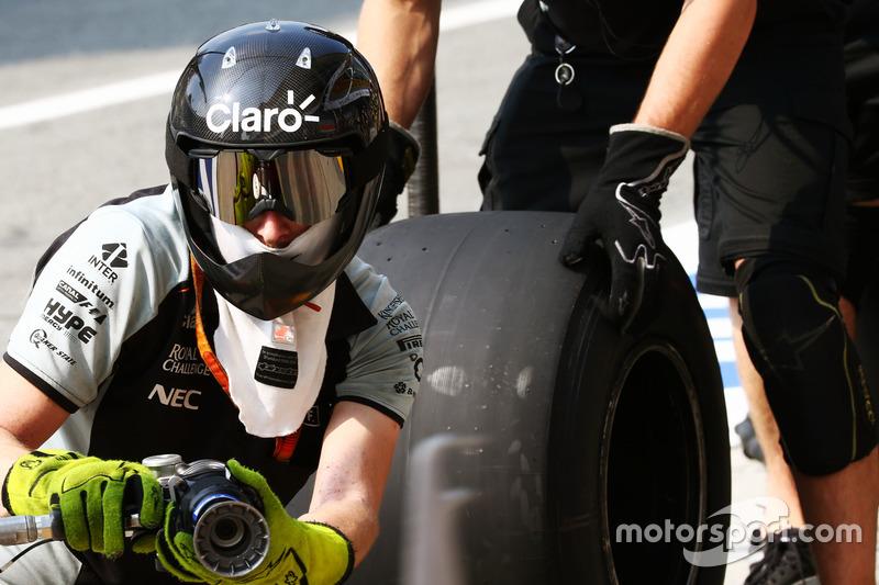 Sahara Force India F1 Team pit stop antrenmanı