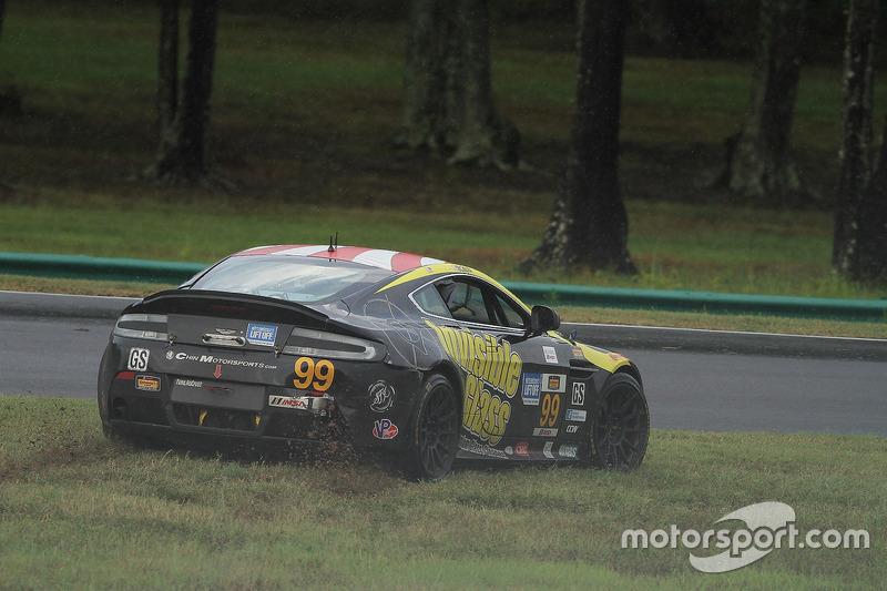 #99 Automatic Racing Aston Martin Vantage GT4: Rob Ecklin, Al Carter, spins