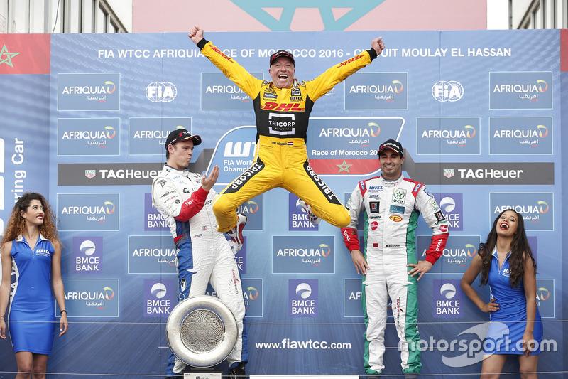 9. Podio: ganador de la carrera Tom Coronel, Roal Motorsport, Chevrolet RML Cruze TC1