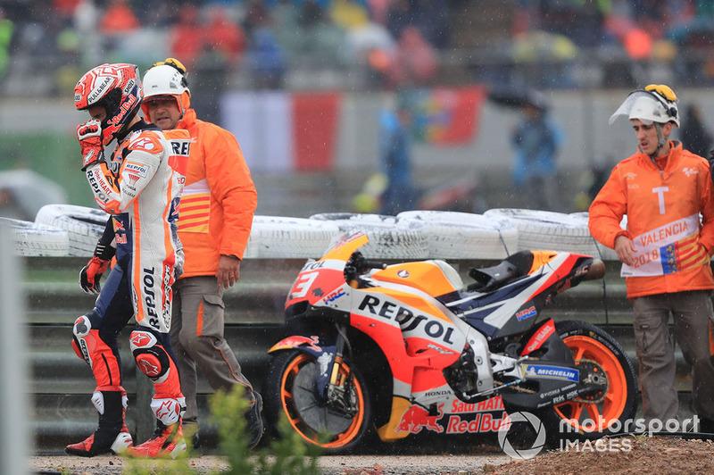 Marc Marquez, Repsol Honda Team, después de su caída