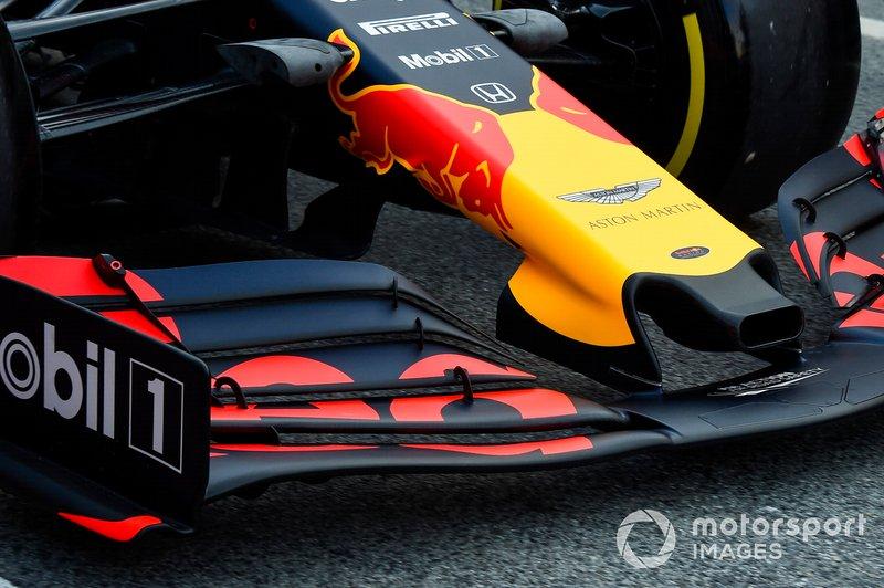 Dettaglio del musetto di Max Verstappen, Red Bull Racing RB15