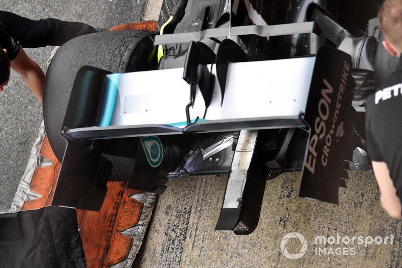 Aileron arrière de la Mercedes-AMG F1 W10