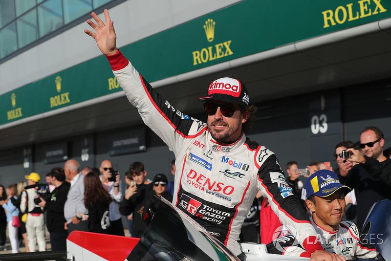 Ganadores de la carrera #8 Toyota Gazoo Racing Toyota TS050: Sebastien Buemi, Kazuki Nakajima, Fernando Alonso