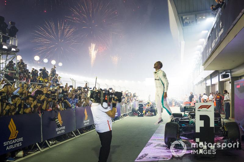 El ganador Lewis Hamilton, Mercedes AMG F1