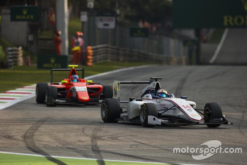 Matthew Parry, Koiranen GP leads Tatiana Calderon, Arden International