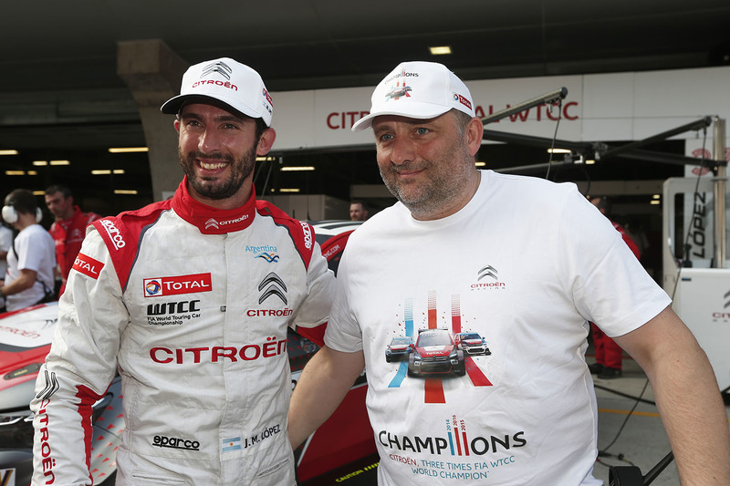 Polesitter Jose Maria Lopez, Citroën C-Elysée WTCC, Citroën World Touring Car Team; Yves Matton, Ren
