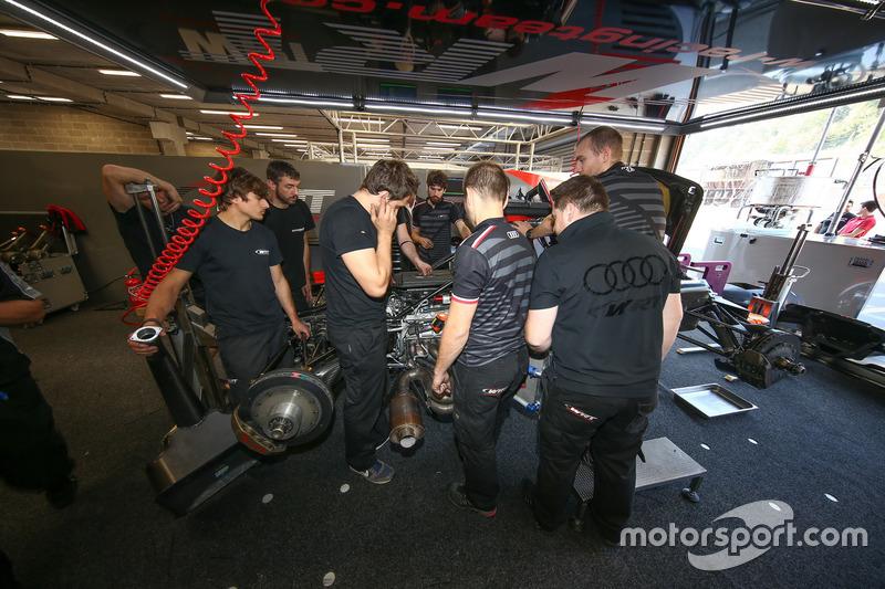 Mecahniker: #47 Team WRT, Ligier JS P2 - Judd