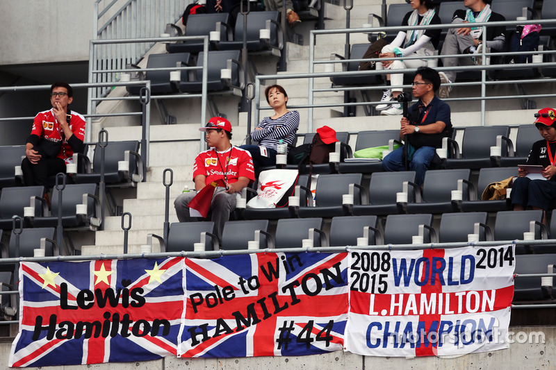 Fans in the grandstand and banners for Lewis Hamilton, Mercedes AMG F1