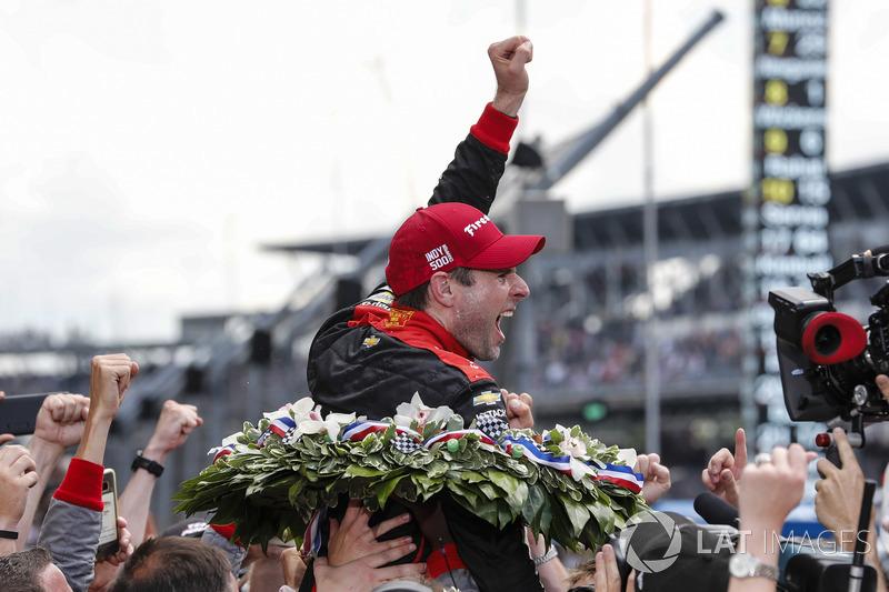 Il vincitore Will Power, Team Penske Chevrolet festeggia