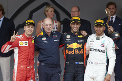 Podium: second place Sebastian Vettel, Ferrari, Adrian Newey, Chief Technical Officer, Red Bull Racing, Race winner Daniel Ricciardo, Red Bull Racing, third place Lewis Hamilton, Mercedes AMG F1