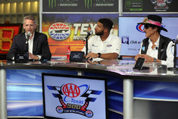 Steve Phelps, NASCAR pazarlama şefi, Darrell Wallace Jr., ve Richard Petty