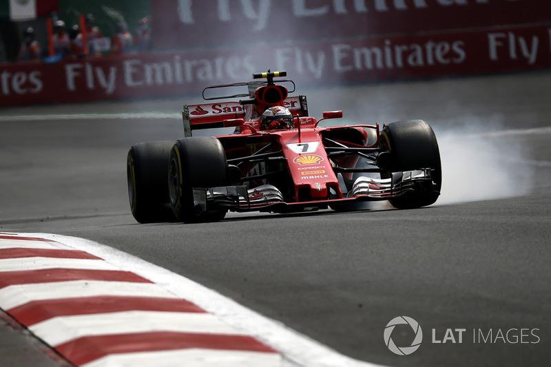 Kimi Raikkonen, Ferrari SF70H locks up