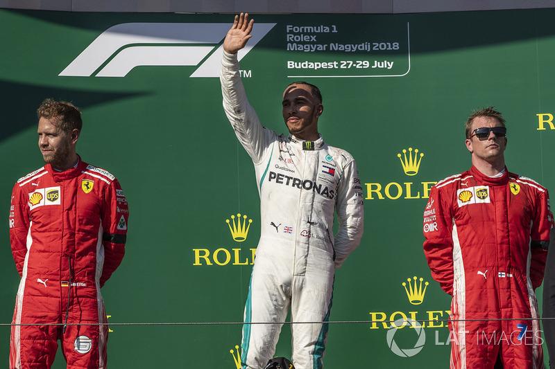 Podio: segundo lugar Sebastian Vettel, Ferrari, ganador de la carrera Lewis Hamilton, Mercedes-AMG F1 y tercer lugar Kimi Raikkonen, Ferrari