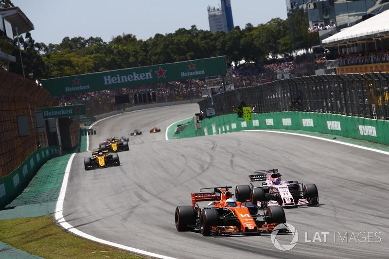 "8. Fernando Alonso, McLaren-Honda - ""Blij toen ik de vlag zag"""