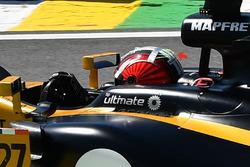Casque de Nico Hulkenberg, Renault Sport F1 Team RS17, avec des brins de laine