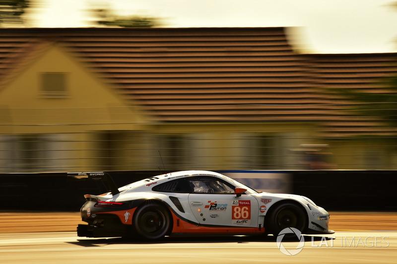 47. Майкл Уэйнрайт, Бенджамин Баркер, Александр Дэвисон, Gulf Racing UK, Porsche 911 RSR (№86)