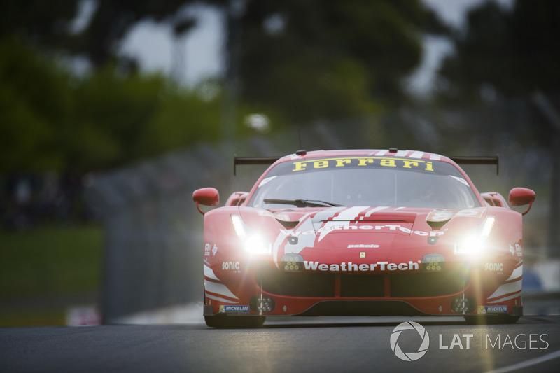58: #85 Keating Motorsports Ferrari 488 GTE: Ben Keating, Jeroen Bleekemolen, Luca Stolz, 3'54.000