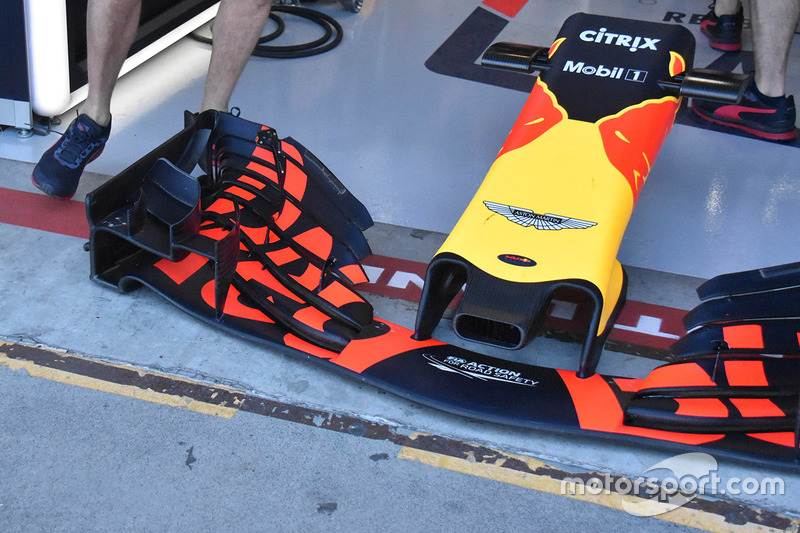 https://cdn-9.motorsport.com/images/mgl/2yZkeyXY/s8/f1-australian-gp-2018-red-bull-racing-rb14-front-wing-detail.jpg