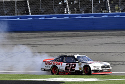 Joey Logano, Team Penske, Ford Mustang Discount Tire gana