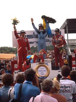 Подиум: победитель Жак Лаффит, Ligier, второе место – Йохен Масс, McLaren, третье место – Карлос Рейтеман, Ferrari