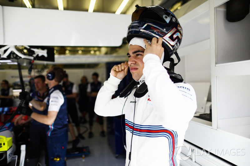 Lance Stroll, Williams Racing, mengenakan helm